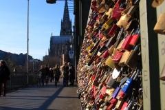 Schlösser Köln Brücke